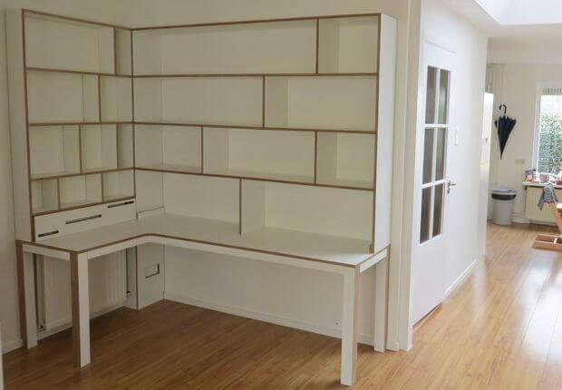 Werkhoek met bureau en kasten - Een rechthoekige woonkamer geven ...